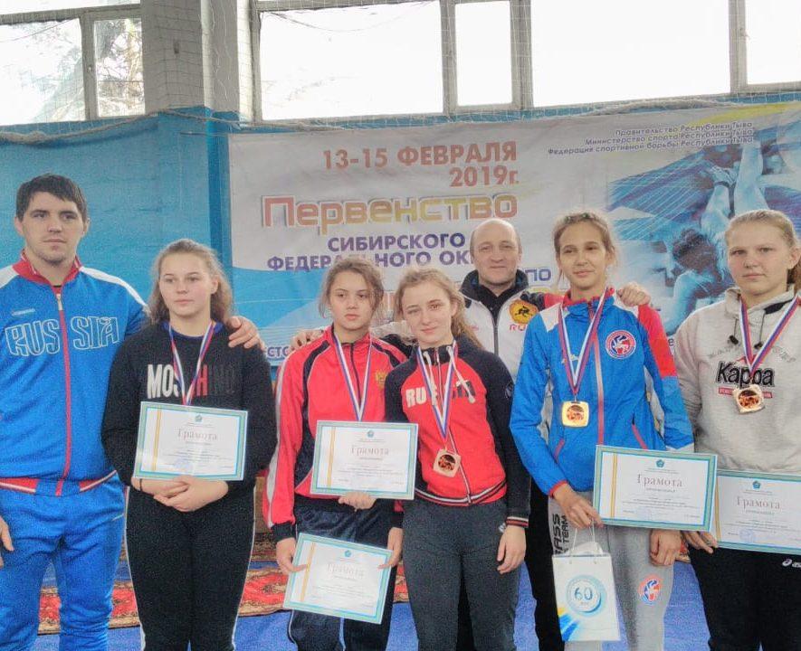Первенство СФО по вольной борьбе в Кызыле.